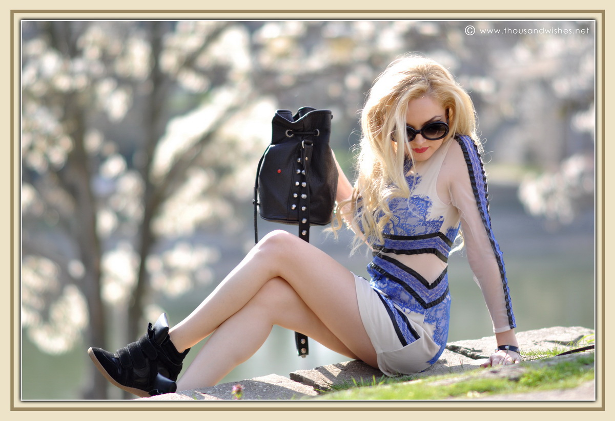 14_blue_dress_sheinside_black_wedge_sneakers_red_lips