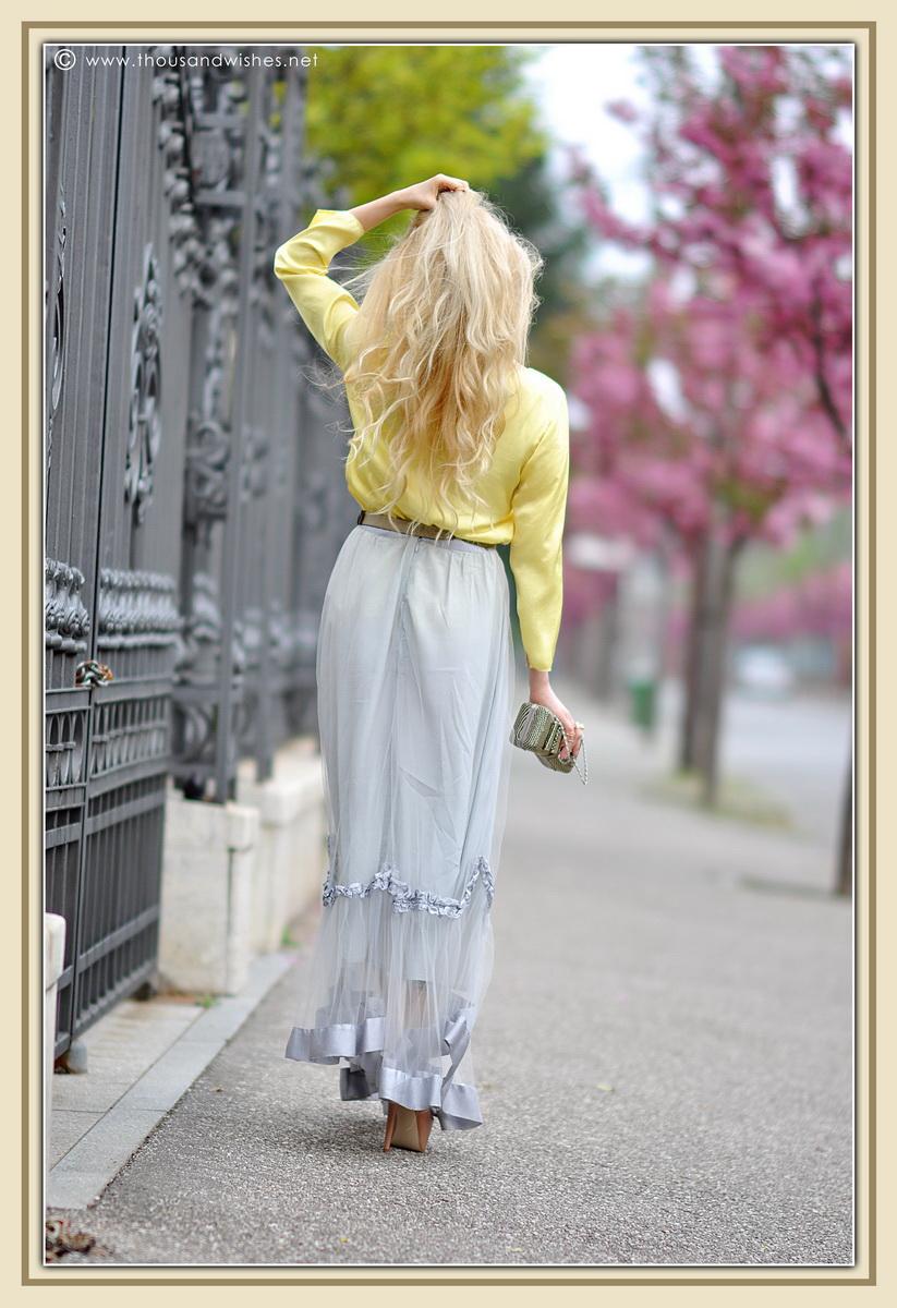 11_grey_skirt_yellow_shirt