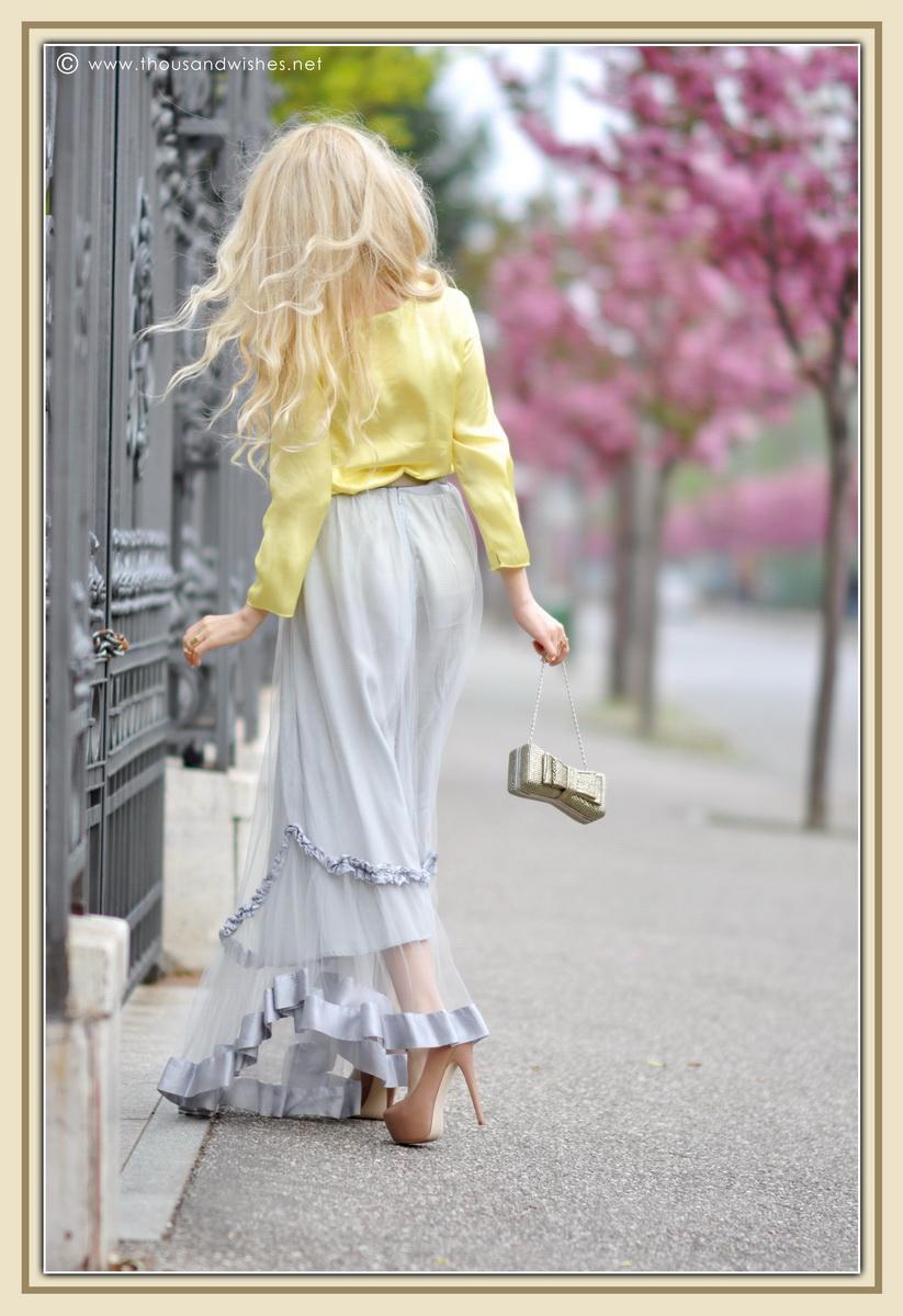 12_grey_skirt_yellow_shirt