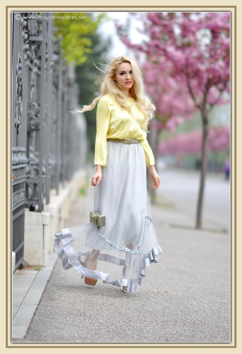 13_grey_skirt_yellow_shirt