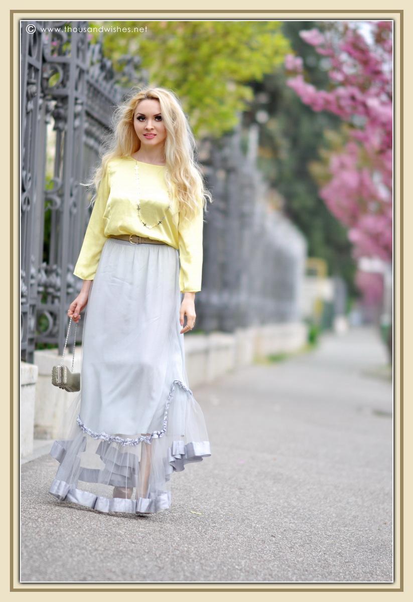 16_grey_skirt_yellow_shirt