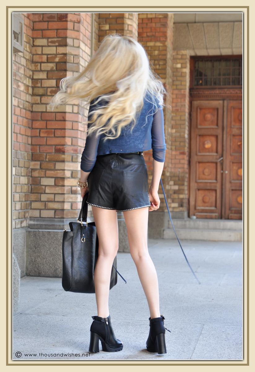 02_leather_black_shorts_blue_glasses_chuncky_boots