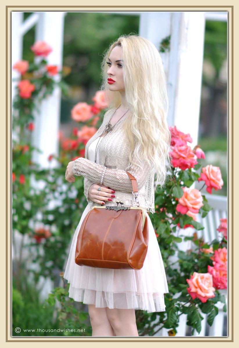 03_vintage_look_tulle_dress_filigree_cameo_brooch