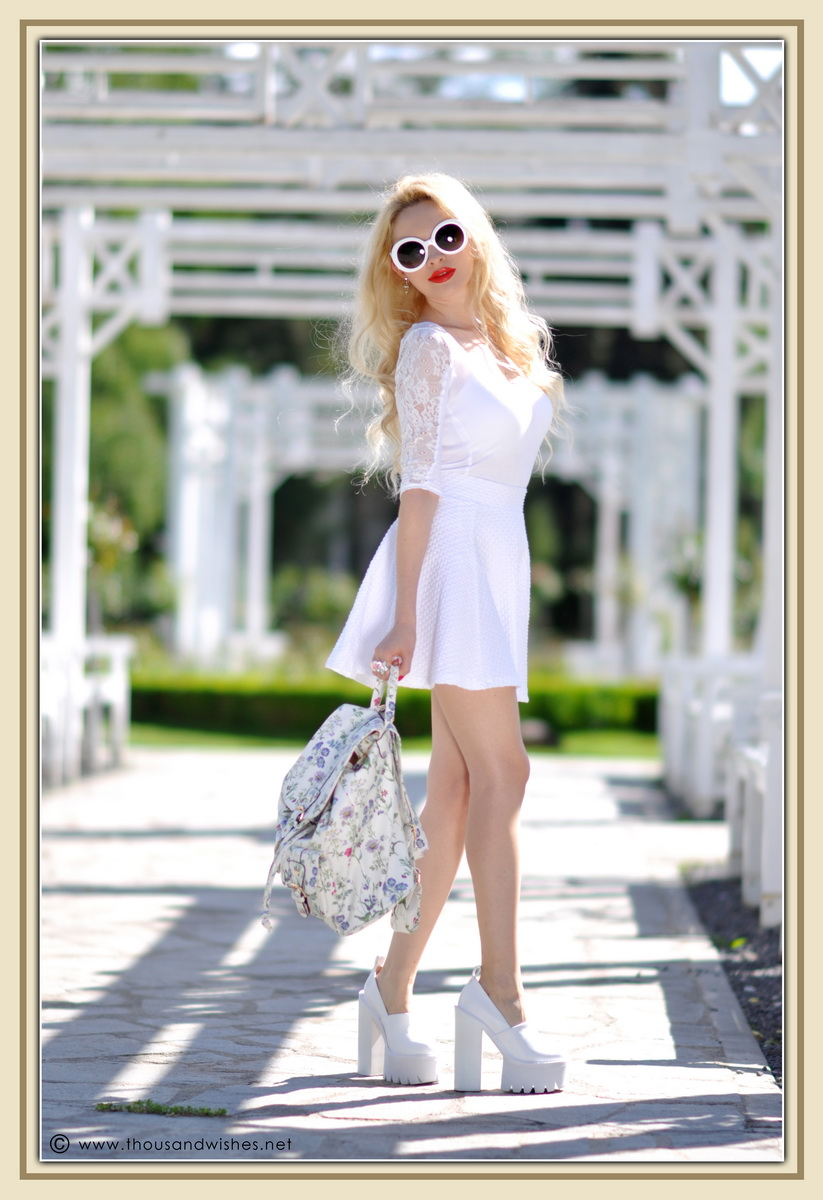 04_all_white_outfit_flower_backpack_chunky_heels