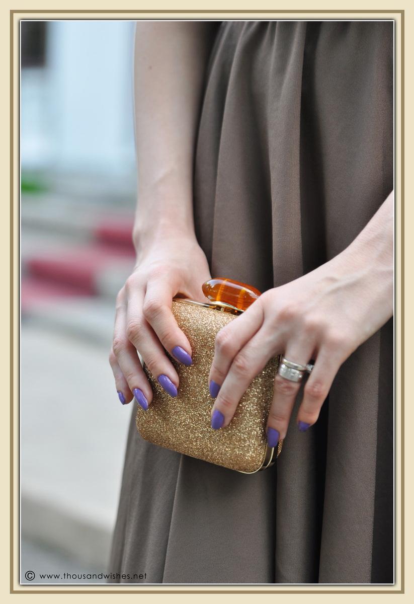 04_wedding_prom_dress_golden_clutch