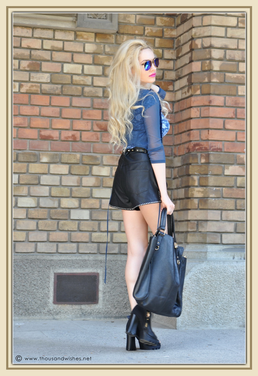 06_leather_black_shorts_blue_glasses_chuncky_boots