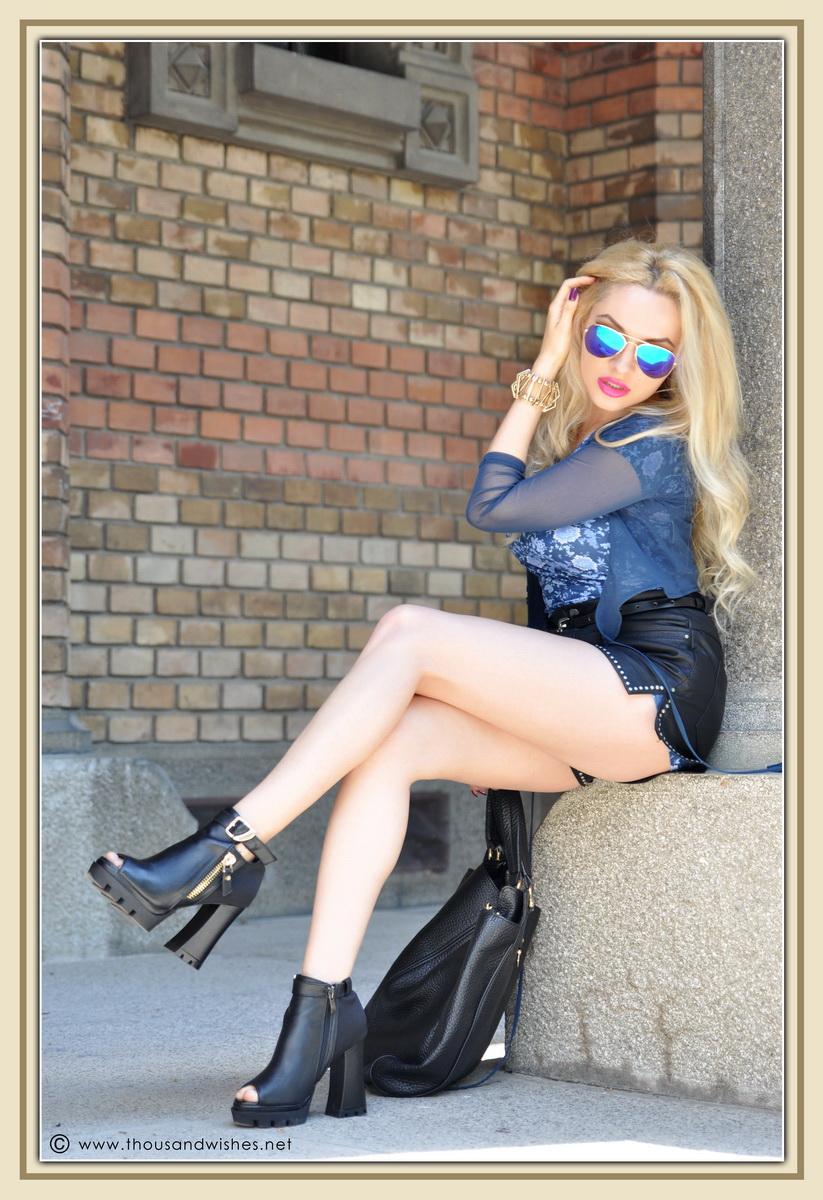 10_leather_black_shorts_blue_glasses_chuncky_boots