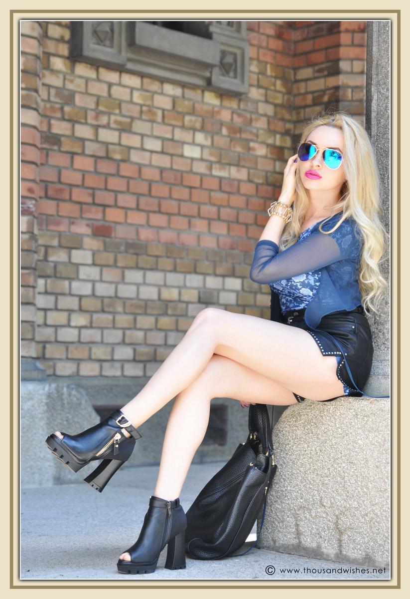 11_leather_black_shorts_blue_glasses_chuncky_boots