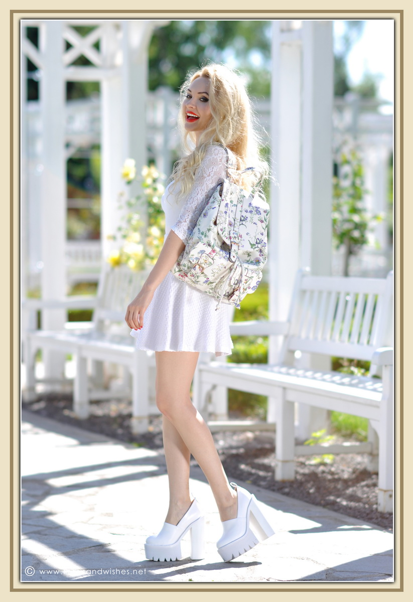 12_all_white_outfit_flower_backpack_chunky_heels