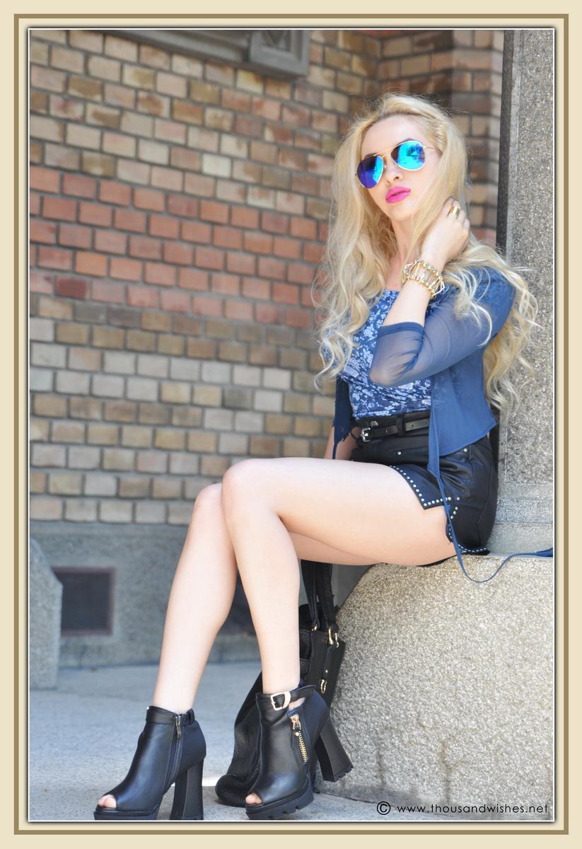 12_leather_black_shorts_blue_glasses_chuncky_boots