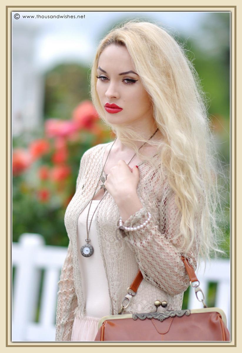 13_vintage_look_tulle_dress_filigree_cameo_brooch
