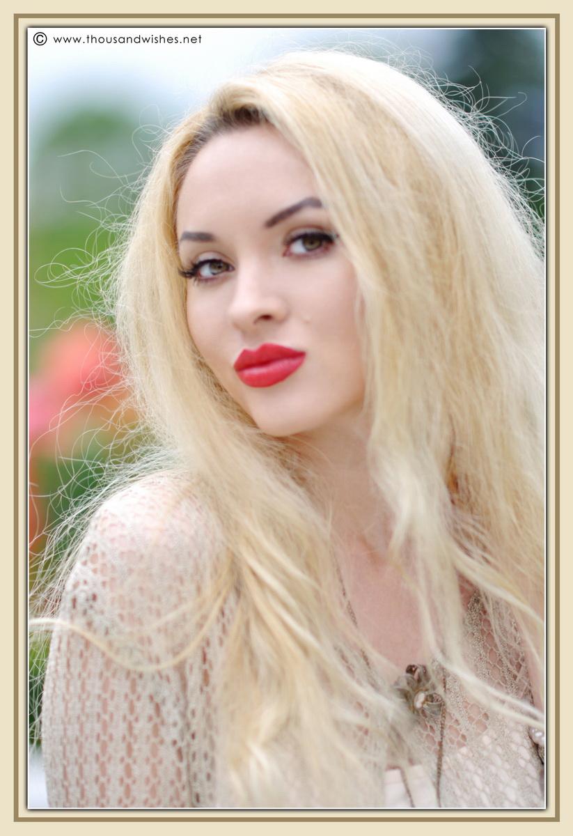 15_vintage_look_tulle_dress_filigree_cameo_brooch