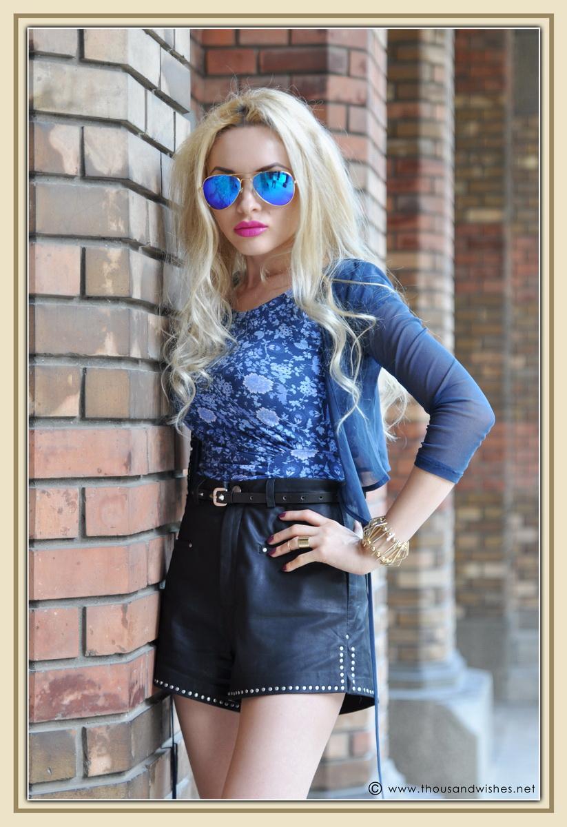 16_leather_black_shorts_blue_glasses_chuncky_boots