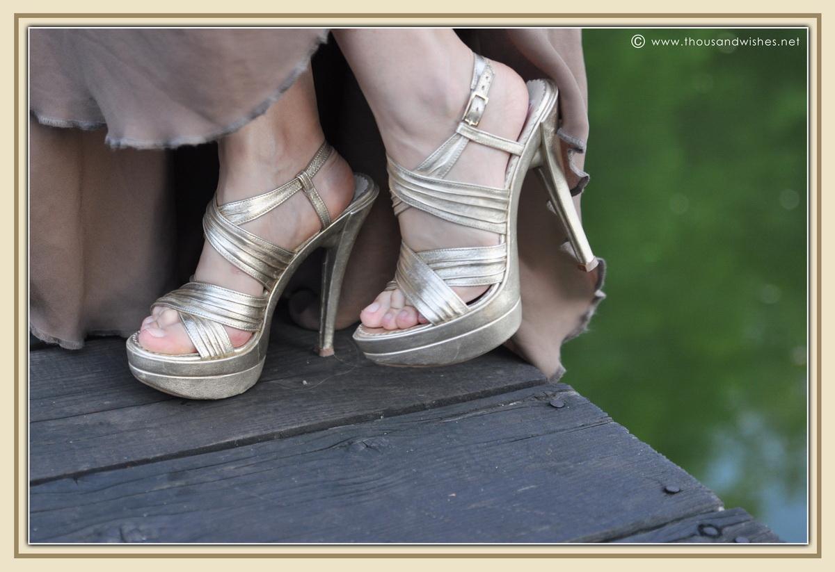 17_golden_heels
