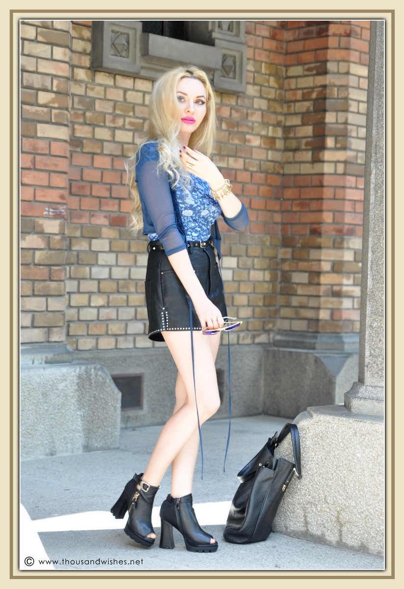 21_leather_black_shorts_blue_glasses_chuncky_boots
