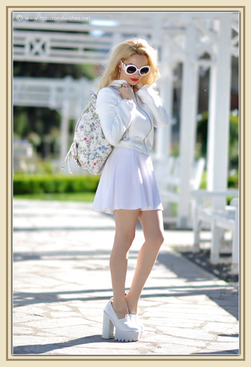 24_all_white_outfit_flower_backpack_chunky_heels