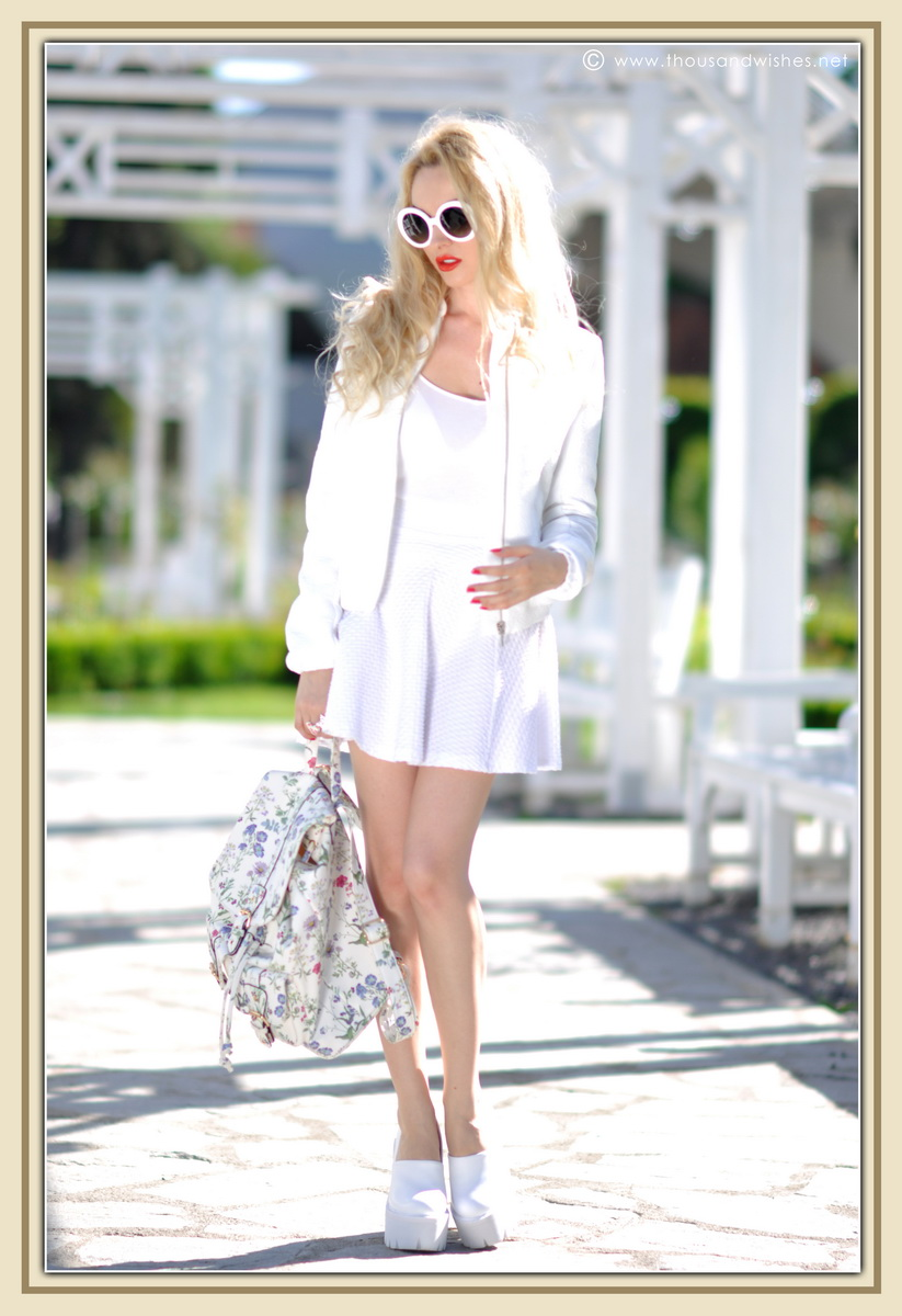 25_all_white_outfit_flower_backpack_chunky_heels