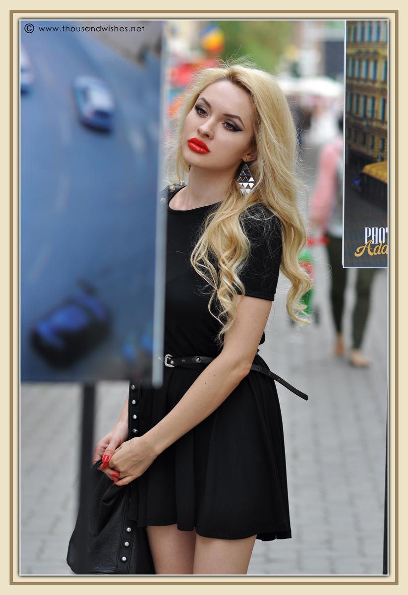 05_black_chunky_boots_dress
