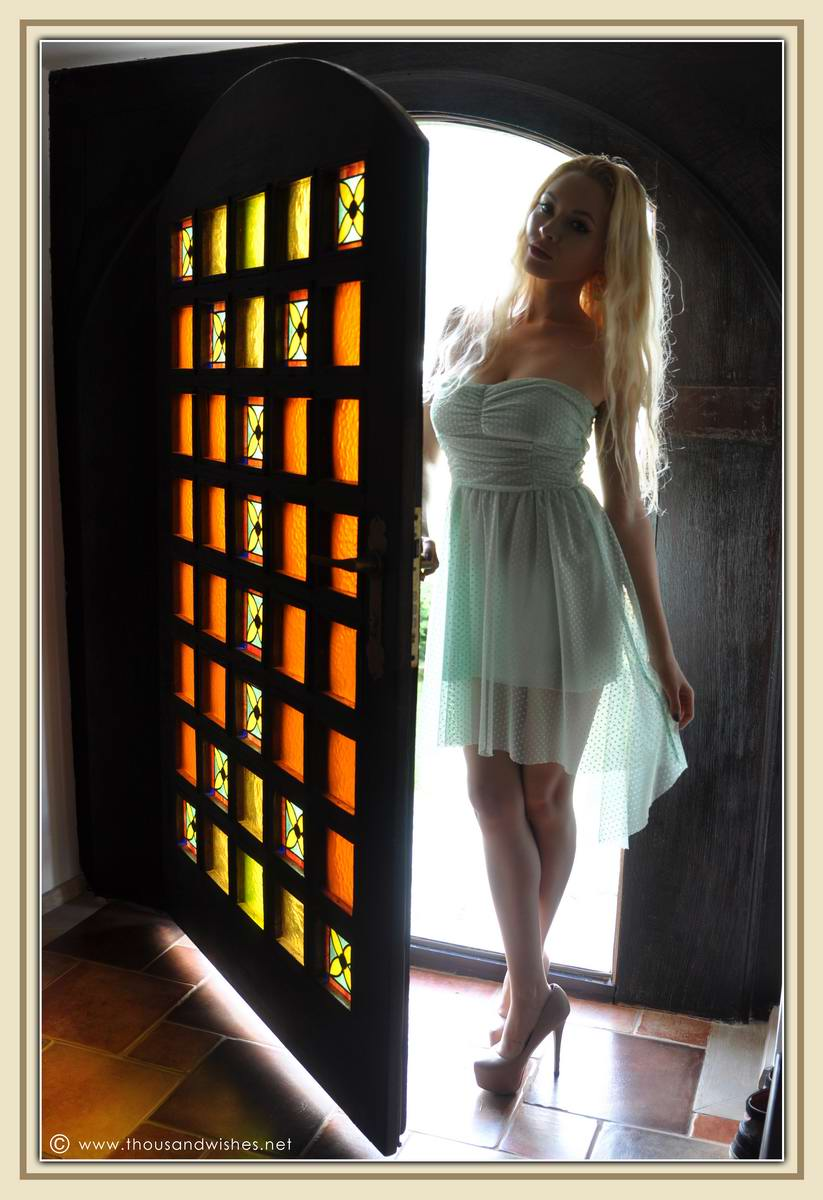 06_mint_dress