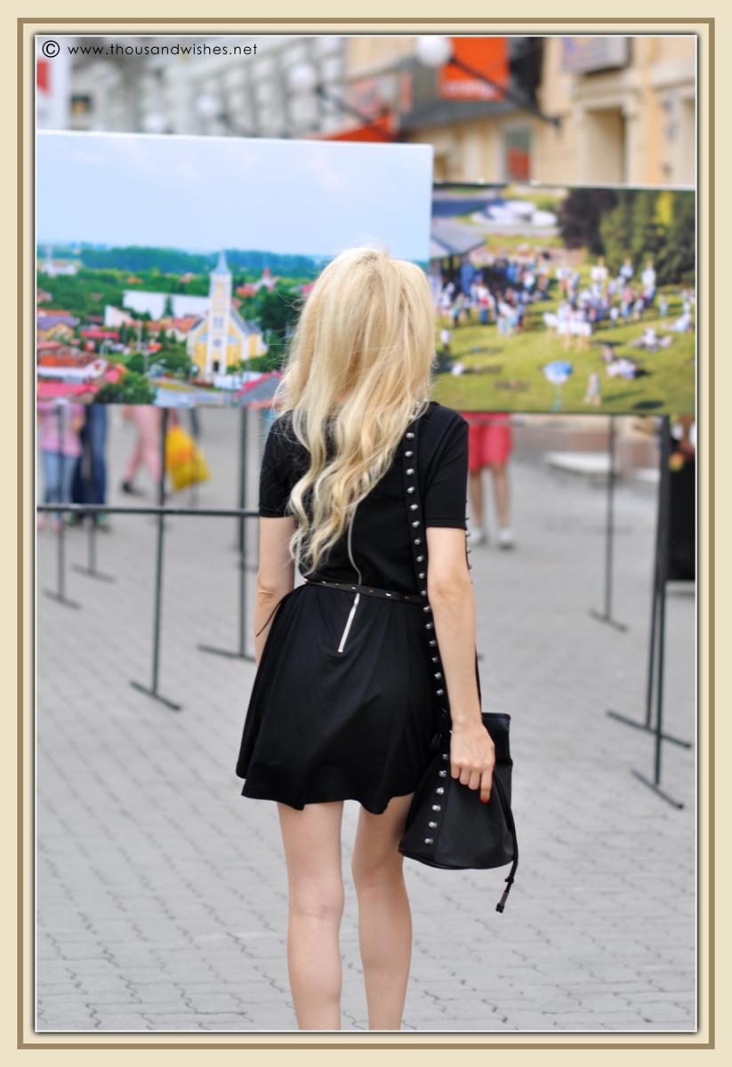 11_black_dress_chunky_heels