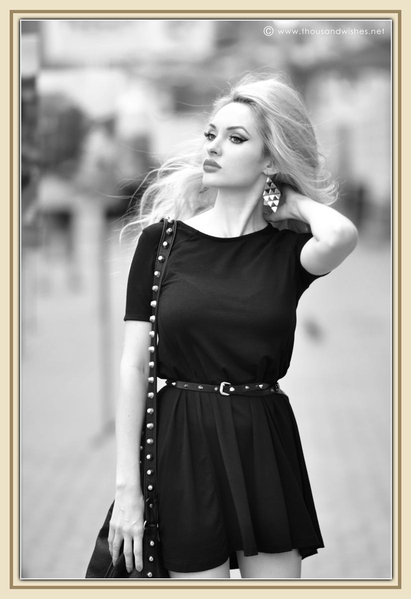 16_black_dress_blonde