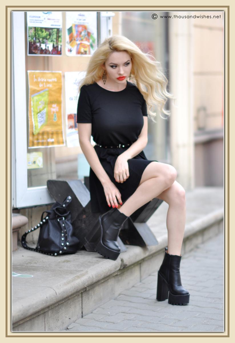 17_black_chunky_heels_dress