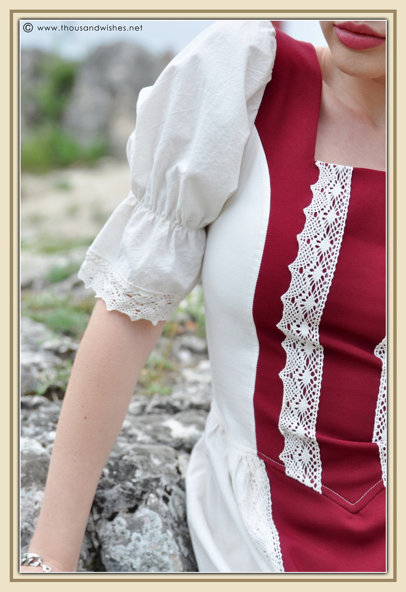 21_saxon_medieval_dress_rasnov_fortress