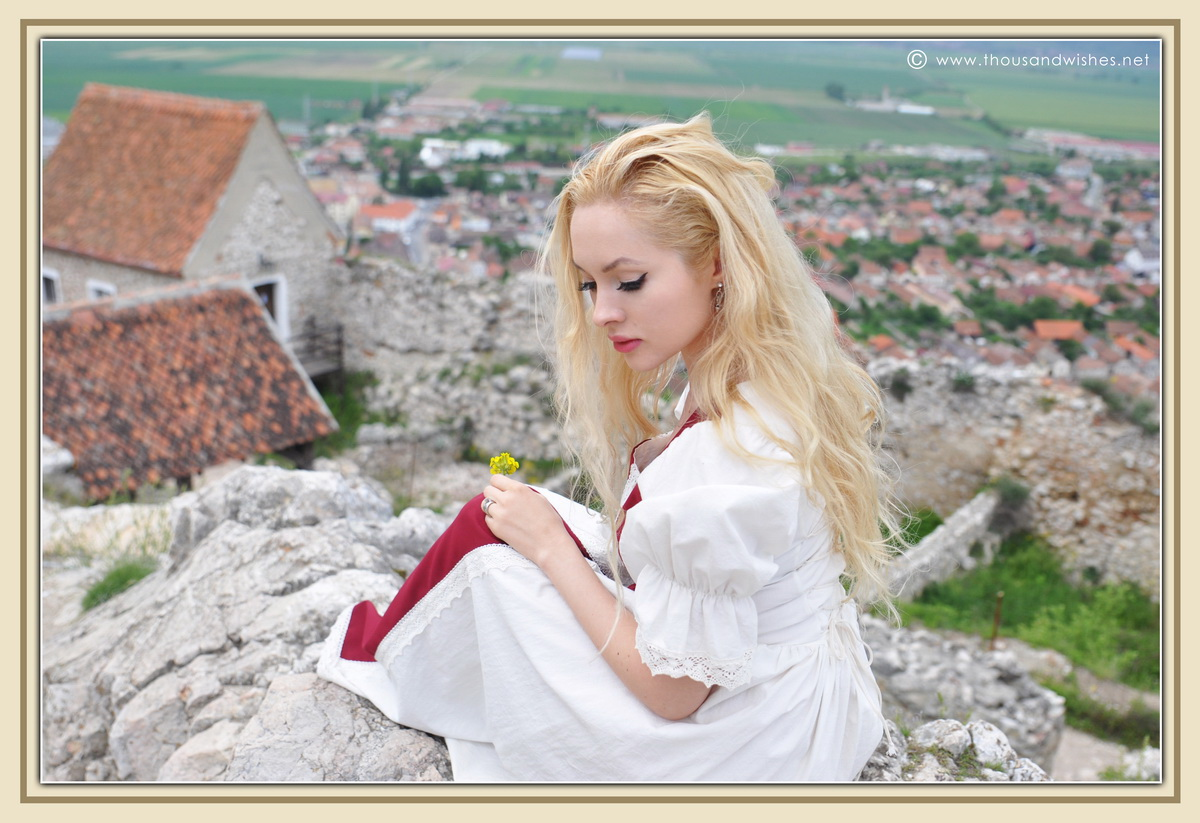 30_saxon_medieval_dress_rasnov_fortress