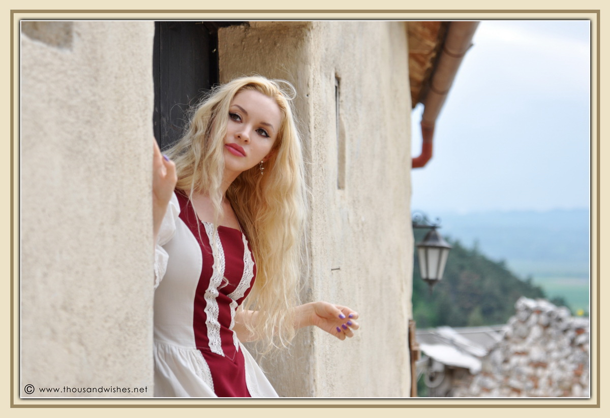 32_saxon_medieval_dress_rasnov_fortress