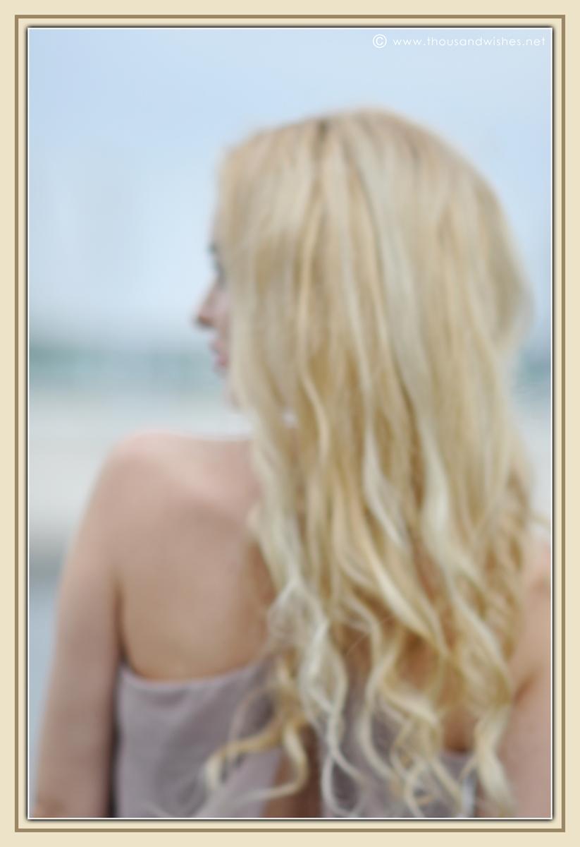 03_beige_long_dress_feather_earrings