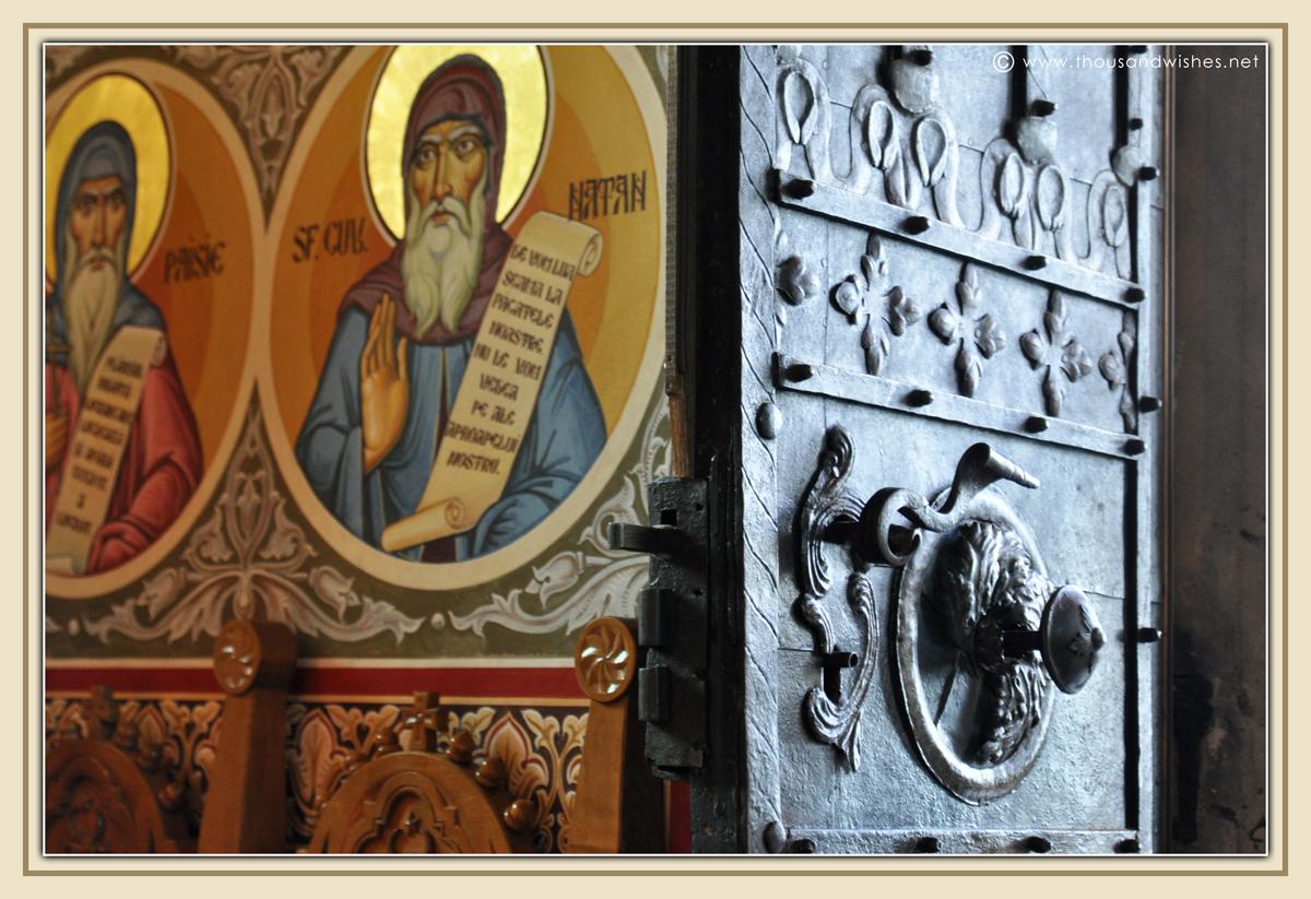 05_bucovina_painted_monasteries_putna