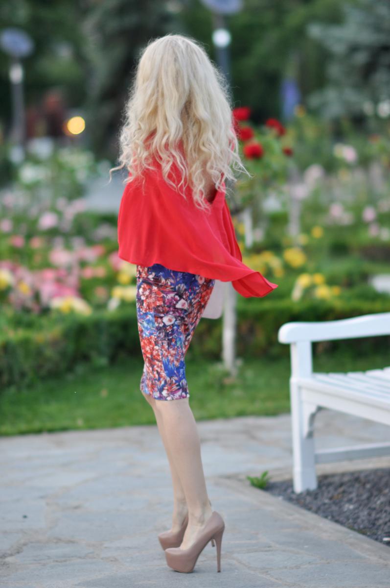 07_coral_zara_shirt_con_floral_skirt_asos