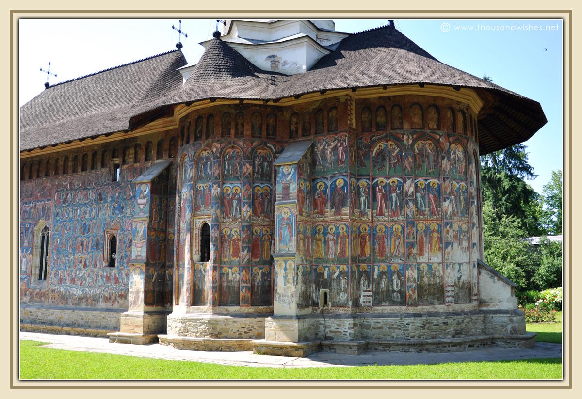 25_bucovina_painted_monasteries_moldovita