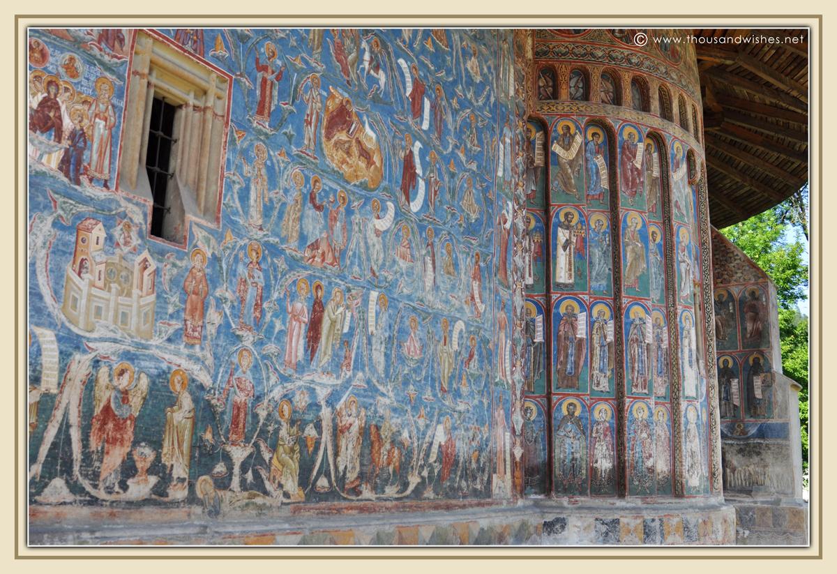 31_bucovina_painted_monasteries_voronet