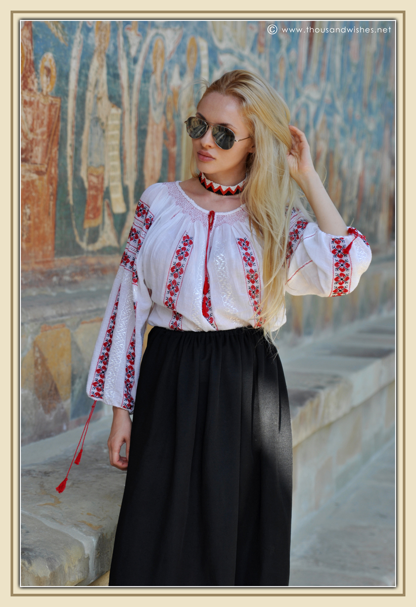 33_traditional_blouse_bucovina_painted_monasteries_voronet