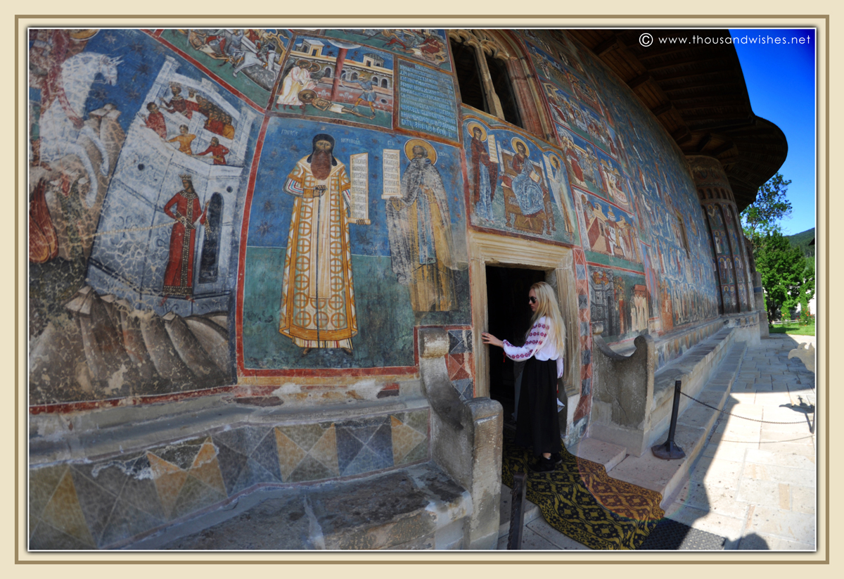 34_bucovina_painted_monasteries_voronet