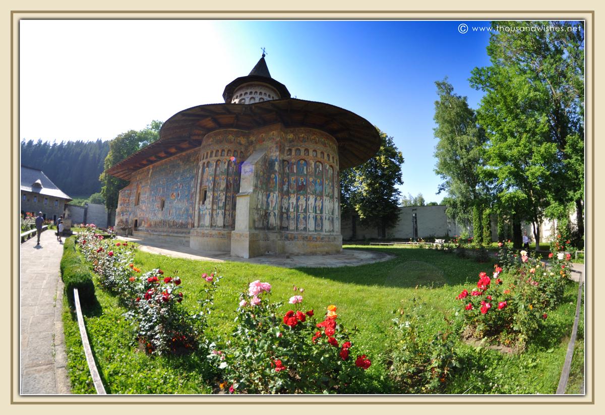 35_bucovina_painted_monasteries_voronet