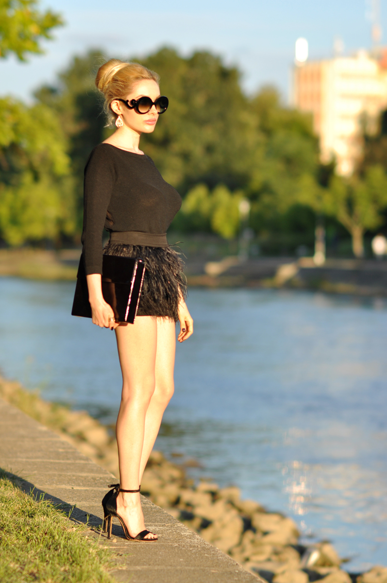 02_zara_black_feather_skirt