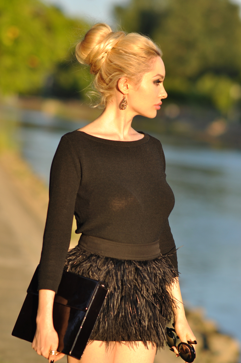 03_zara_black_feather_skirt