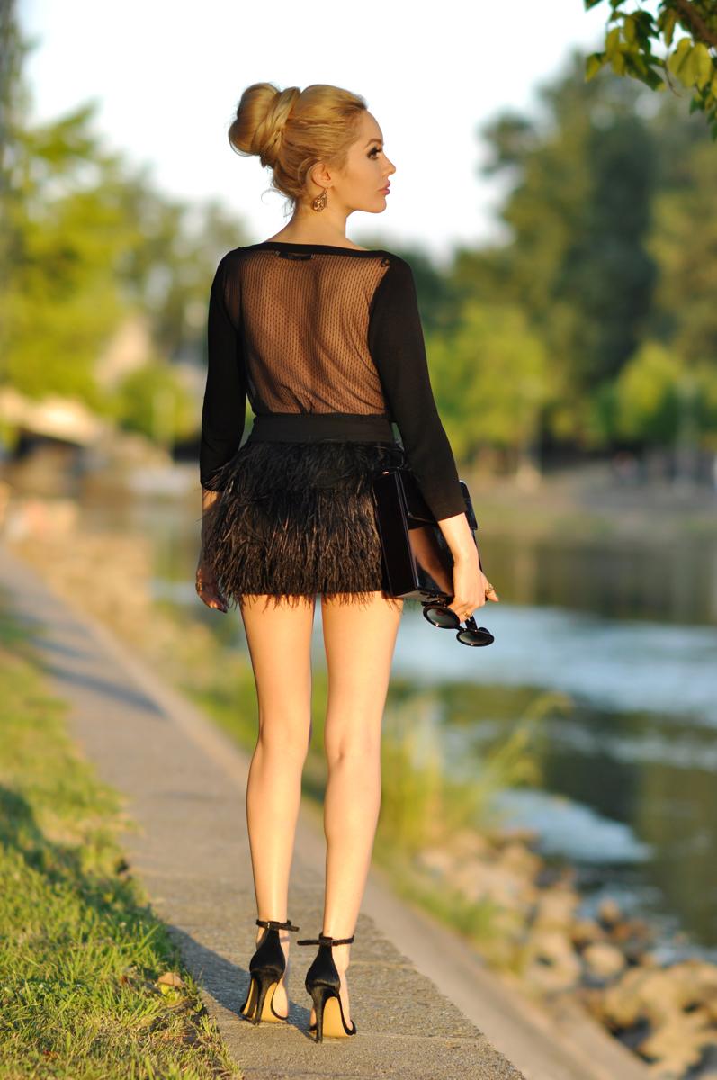 05_zara_black_feather_skirt
