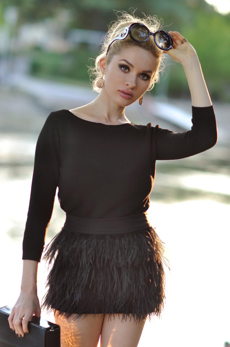 08_zara_black_feather_skirt