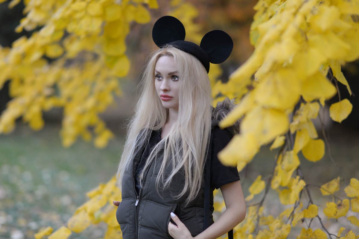 10_minnie_hat_over_the_knee_boots