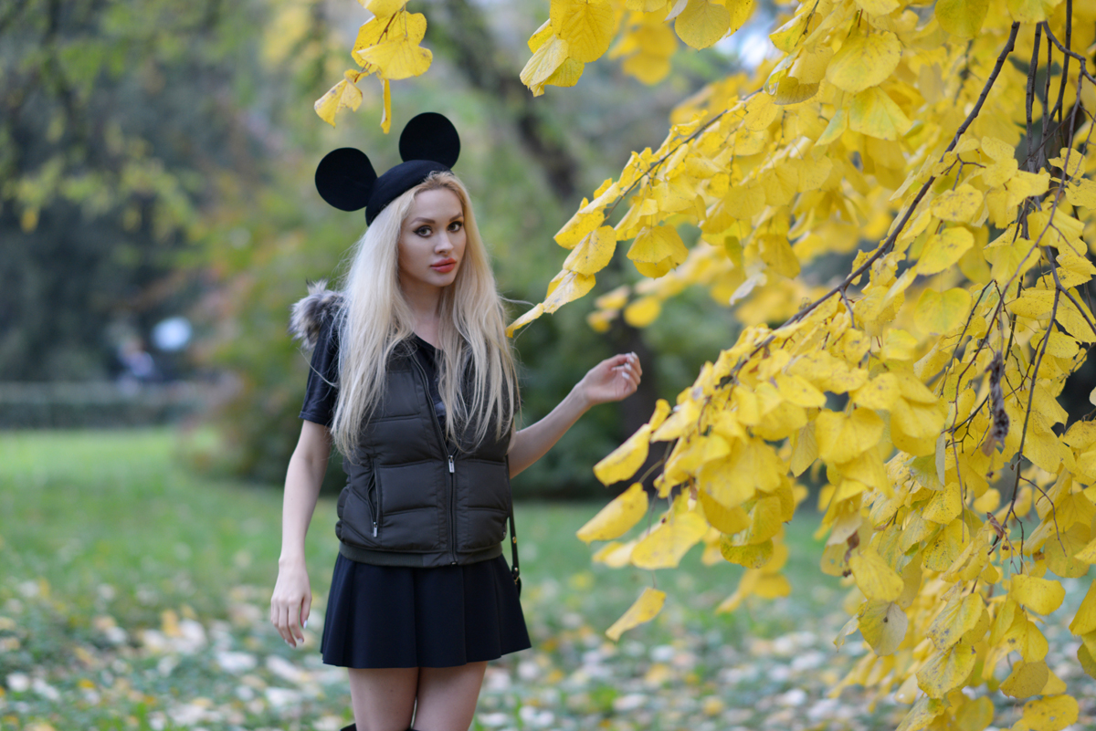 12_minnie_hat_over_the_knee_boots