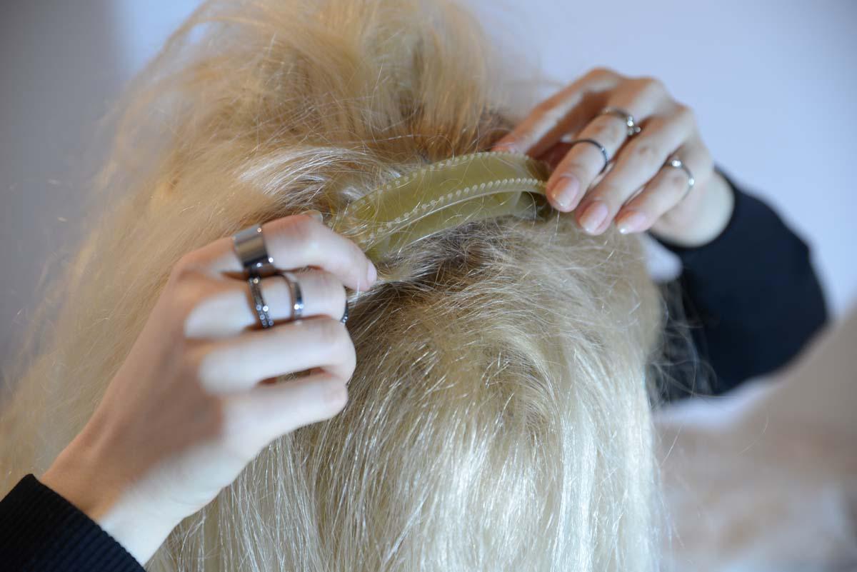 35_messy_princess_hairstyle_stone_headband