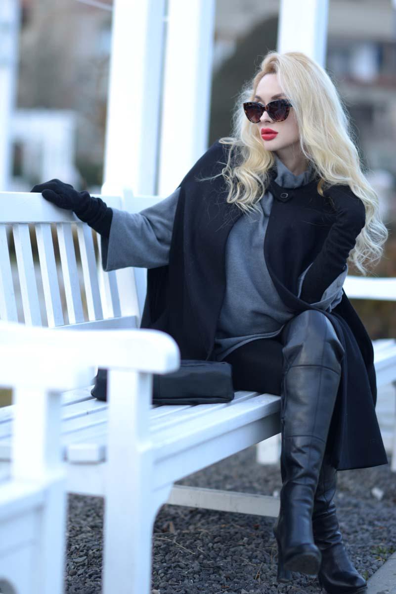 04_black_cape_zara_red_lips