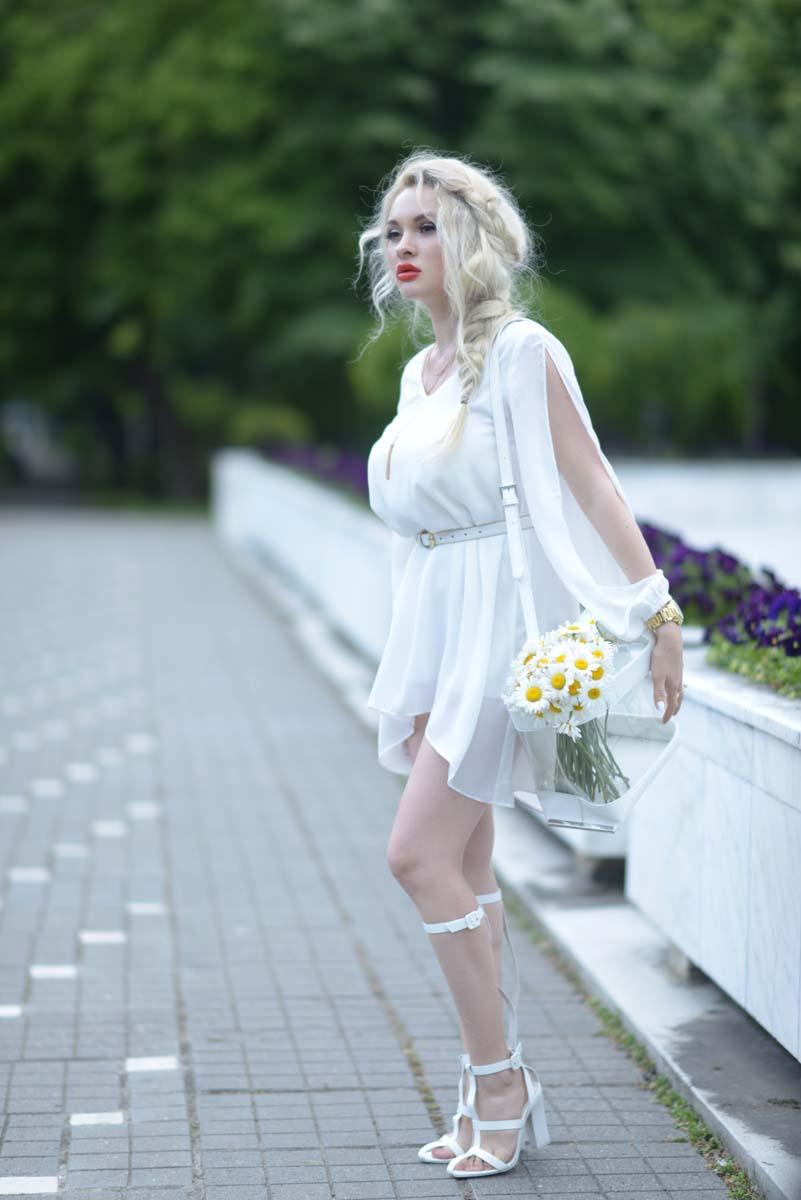 05_daisy_michael_kors_white_jessica_buurman