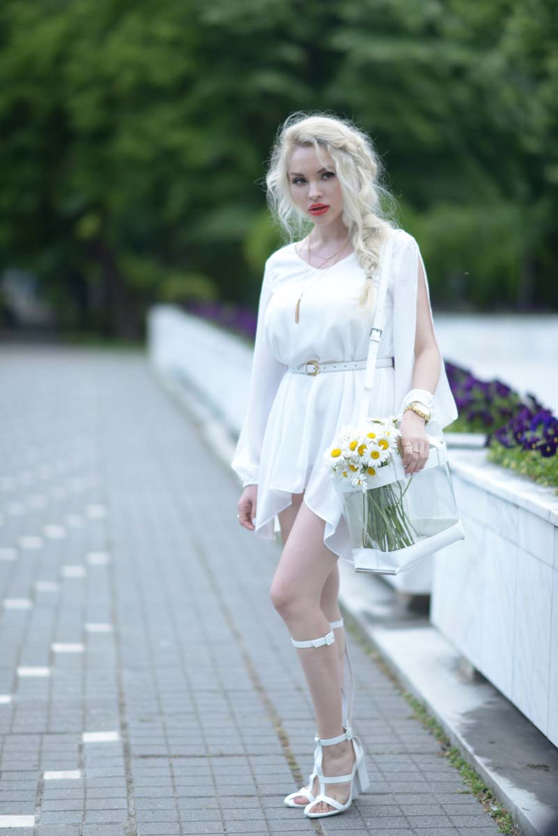 06_daisy_michael_kors_white_jessica_buurman