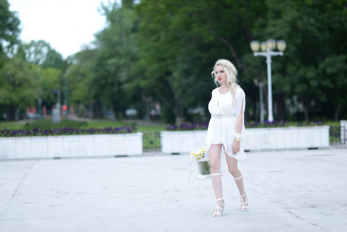 11_daisy_michael_kors_white_jessica_buurman
