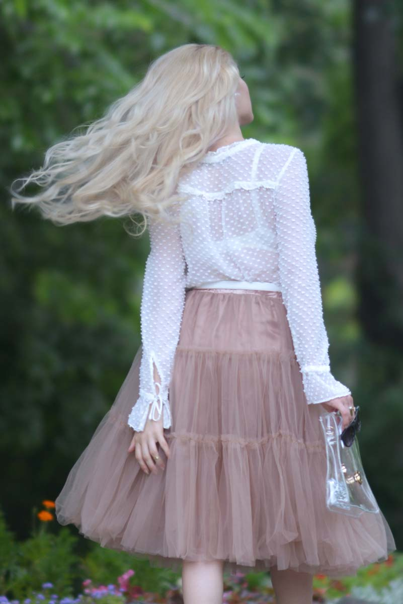 13_tulle_skirt_white_shirt_laceup_heels