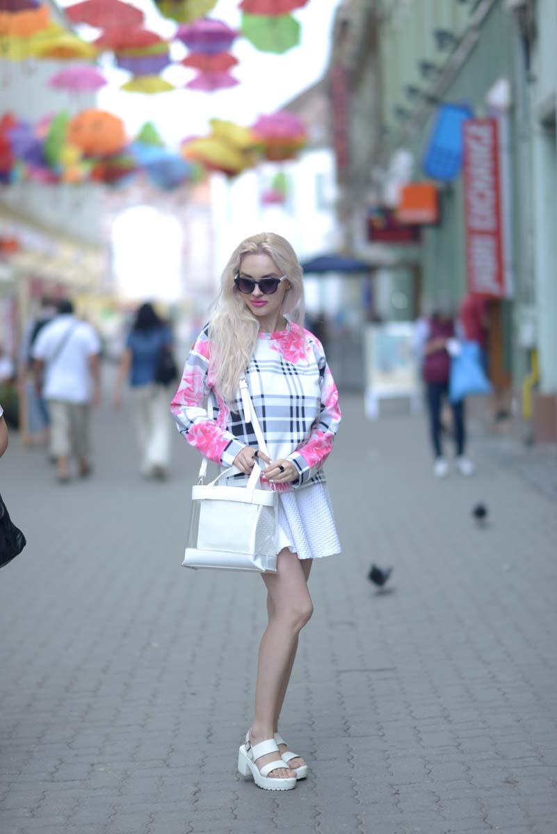 01_pink_shirt_white_skirt_zara